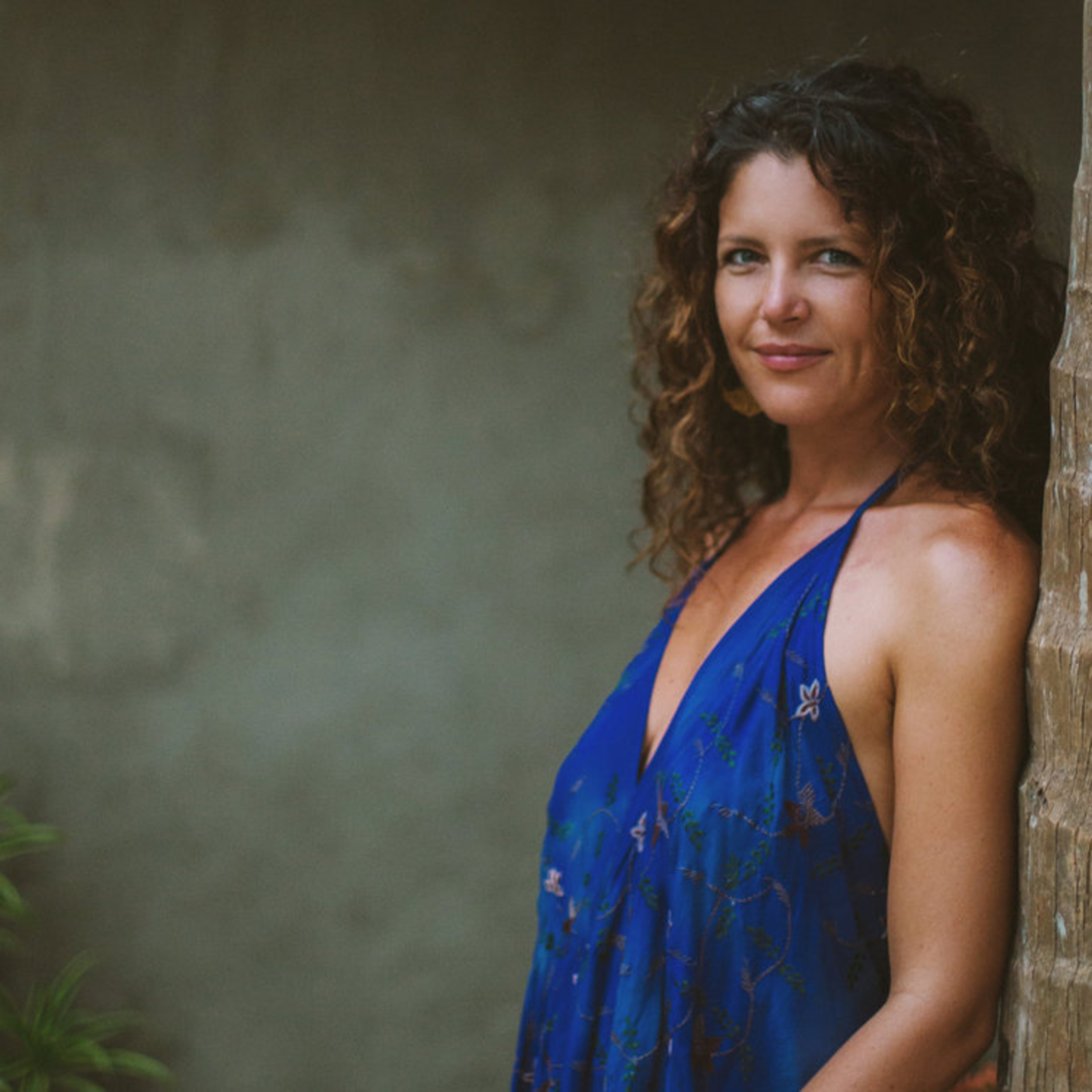 🎧 Yoga & Taboo: Sex, Death & Wealth - Interview with Emily Kuser