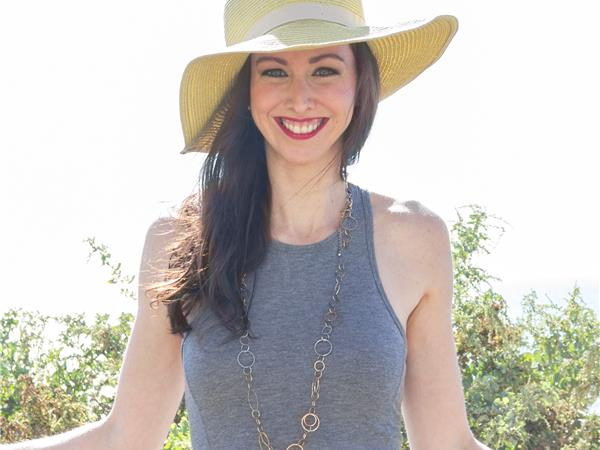 Last First Date Radio - #280: 3 Steps to Meeting Quality Men in Real Life with Camille Virginia