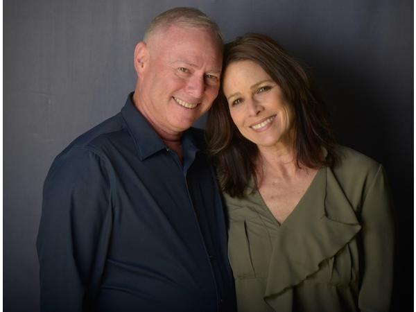 Last First Date Radio - EP355: Older & Wiser - How To Find Love Later In Life With Treva & Robby Scharf