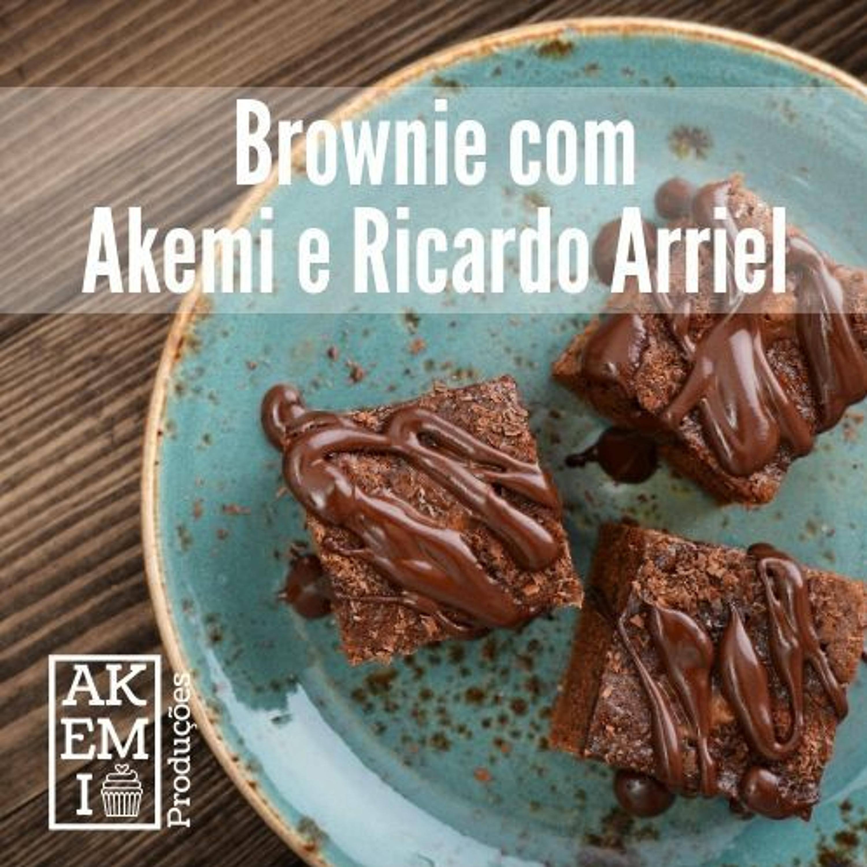 Brownie com Akemi e Ricardo Arriel